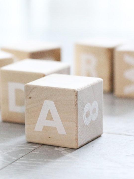 Ooh Noo Alfabetklodser med Hvid Skrift